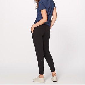 Lululemon women joggers black size 6